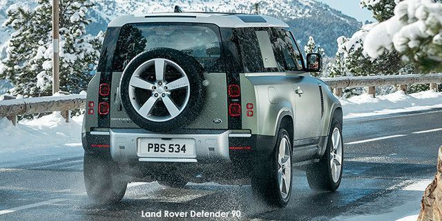 Land Rover Defender D240 SE LR_DEF_90_20MY_Dynamic_On-Road_100919_01a--Land-Rover-Defender--2019.jpg