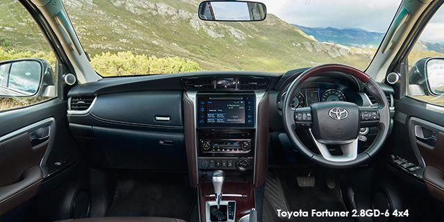Toyota Fortuner 2.4GD-6 auto ToyoFort2e7_i.jpg